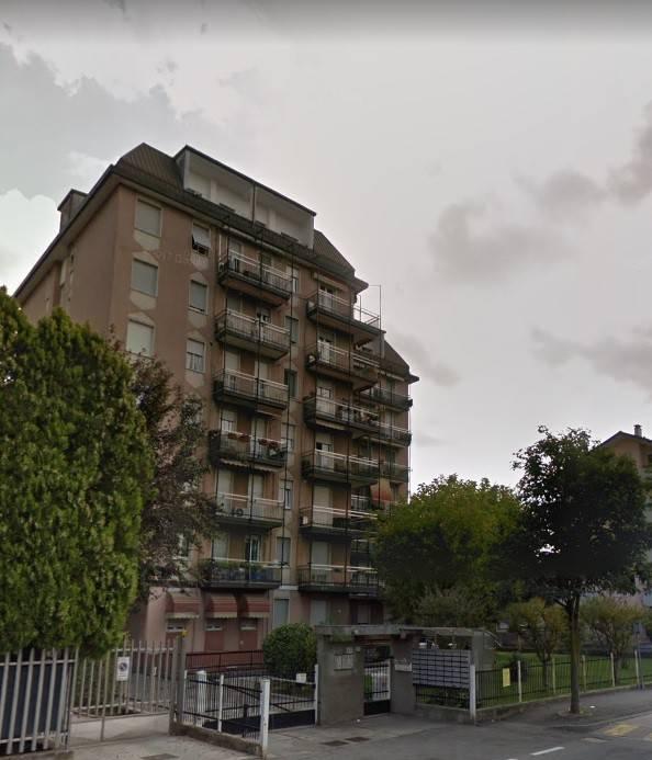 Appartamento in buone condizioni in vendita Rif. 8640496