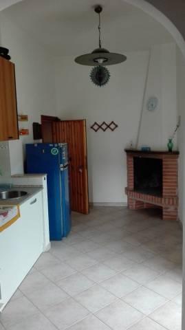 Appartamento in buone condizioni in vendita Rif. 6626215