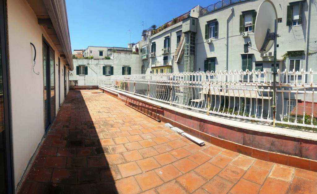 Appartamento in vendita a Napoli, 5 locali, zona Zona: 1 . Chiaia, Posillipo, San Ferdinando, prezzo € 860.000 | CambioCasa.it