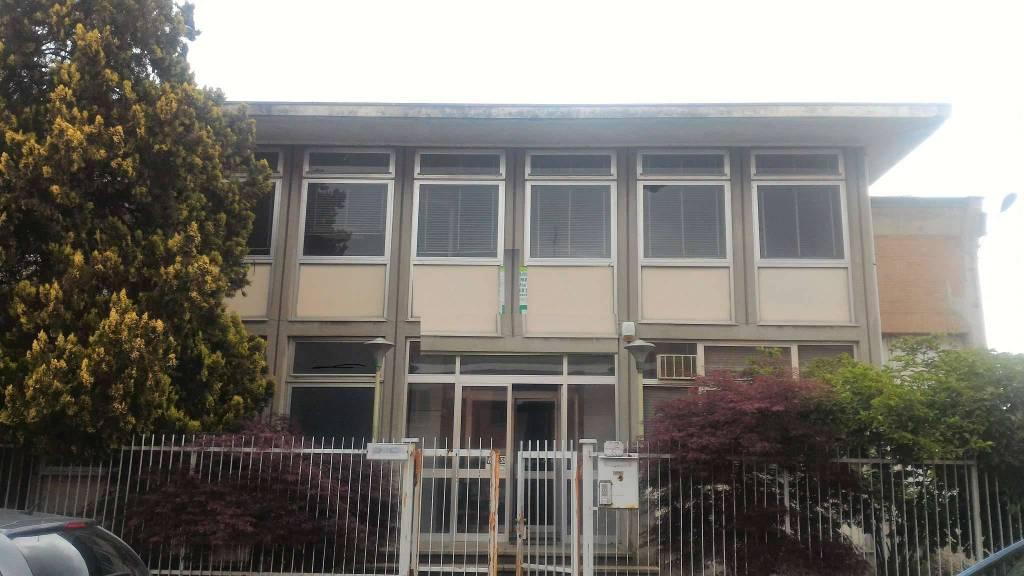Capannone in vendita via ENRICO FERMI Torino
