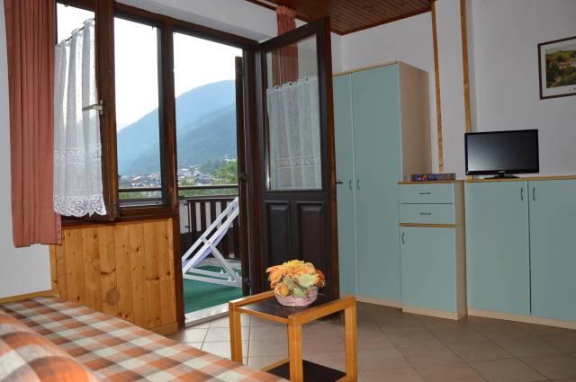 Appartamento in ottime condizioni arredato in affitto Rif. 6623902