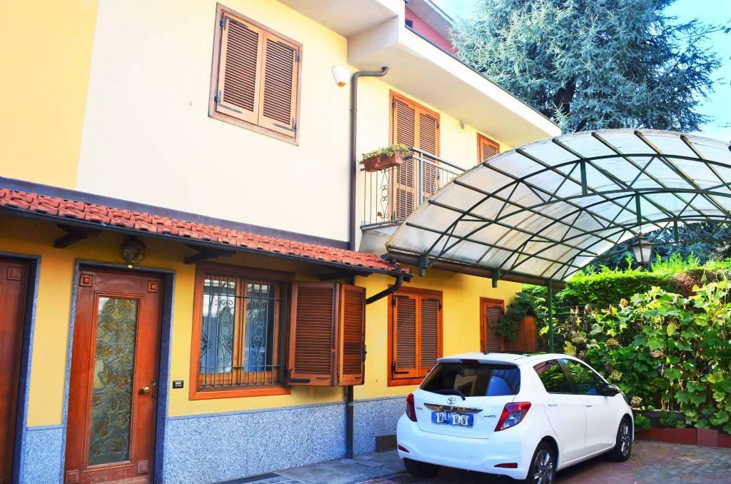 Villa in buone condizioni in vendita Rif. 9161418