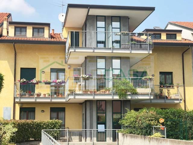 Appartamento in ottime condizioni parzialmente arredato in vendita Rif. 6624073