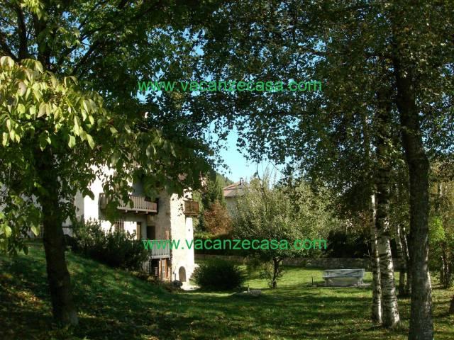 Appartamento in ottime condizioni arredato in affitto Rif. 6623903