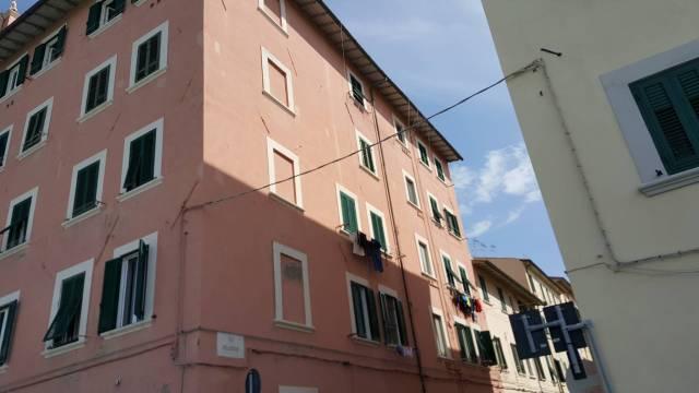 Appartamento in buone condizioni in vendita Rif. 6611180