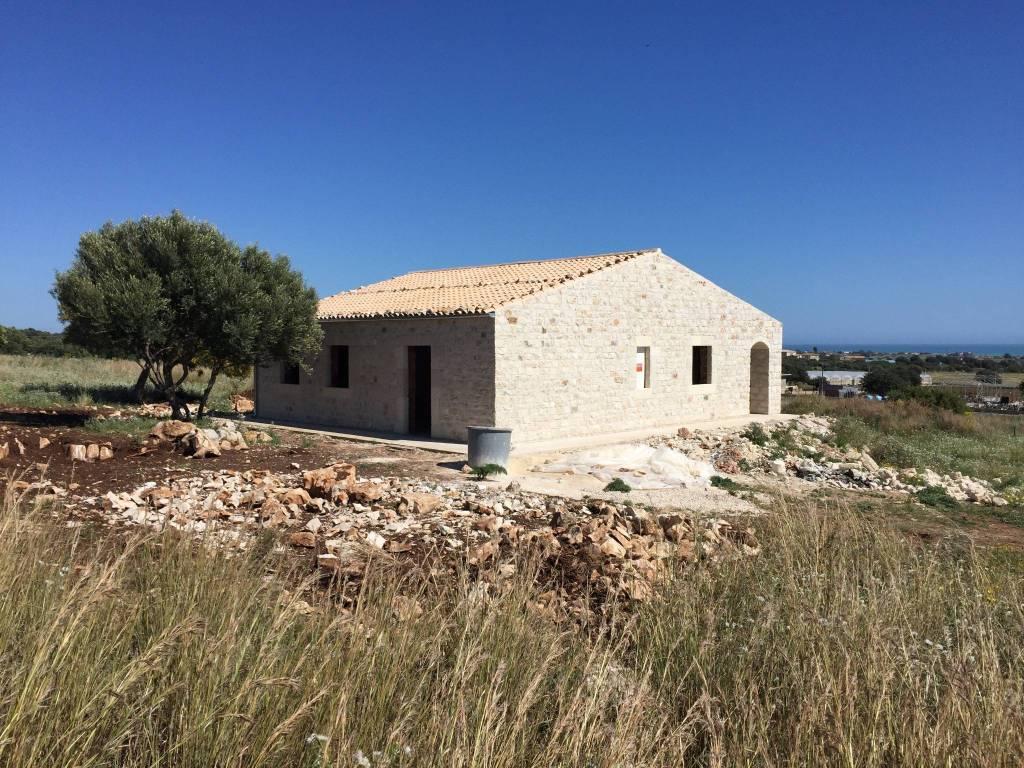 Villa in Vendita a Scicli Periferia: 190 mq