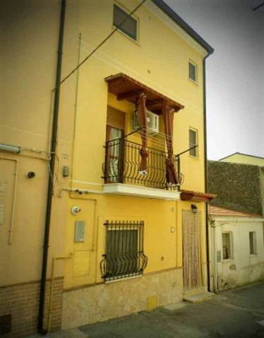 Appartamento trilocale in vendita a Petacciato (CB)