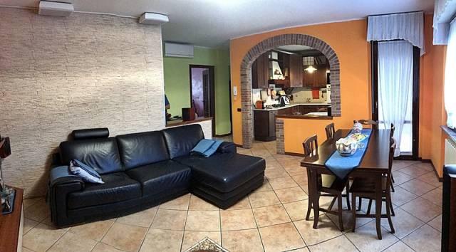 Appartamento trilocale in vendita a Mandello del Lario (LC)