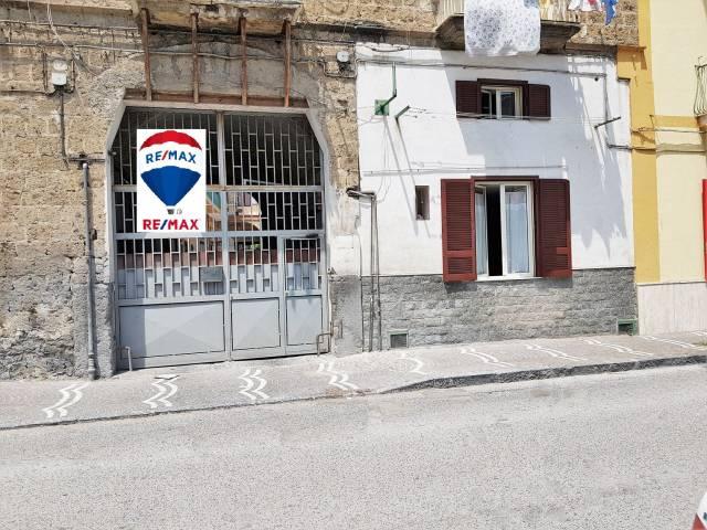 Appartamento in buone condizioni in vendita Rif. 6626879