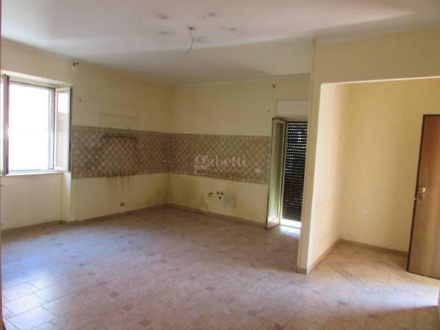 Appartamento in ottime condizioni in affitto Rif. 6628925