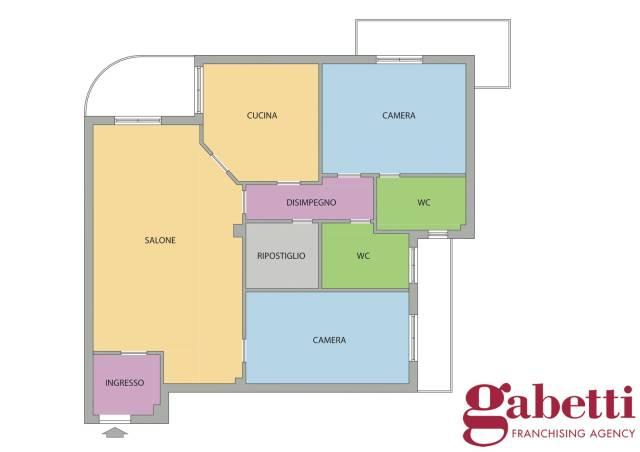 Appartamento quadrilocale in vendita a Napoli (NA)