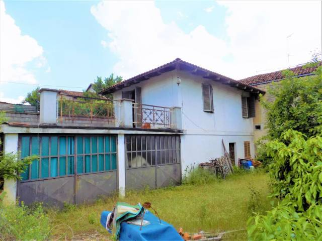 Rustico trilocale in vendita a Sommariva del Bosco (CN)