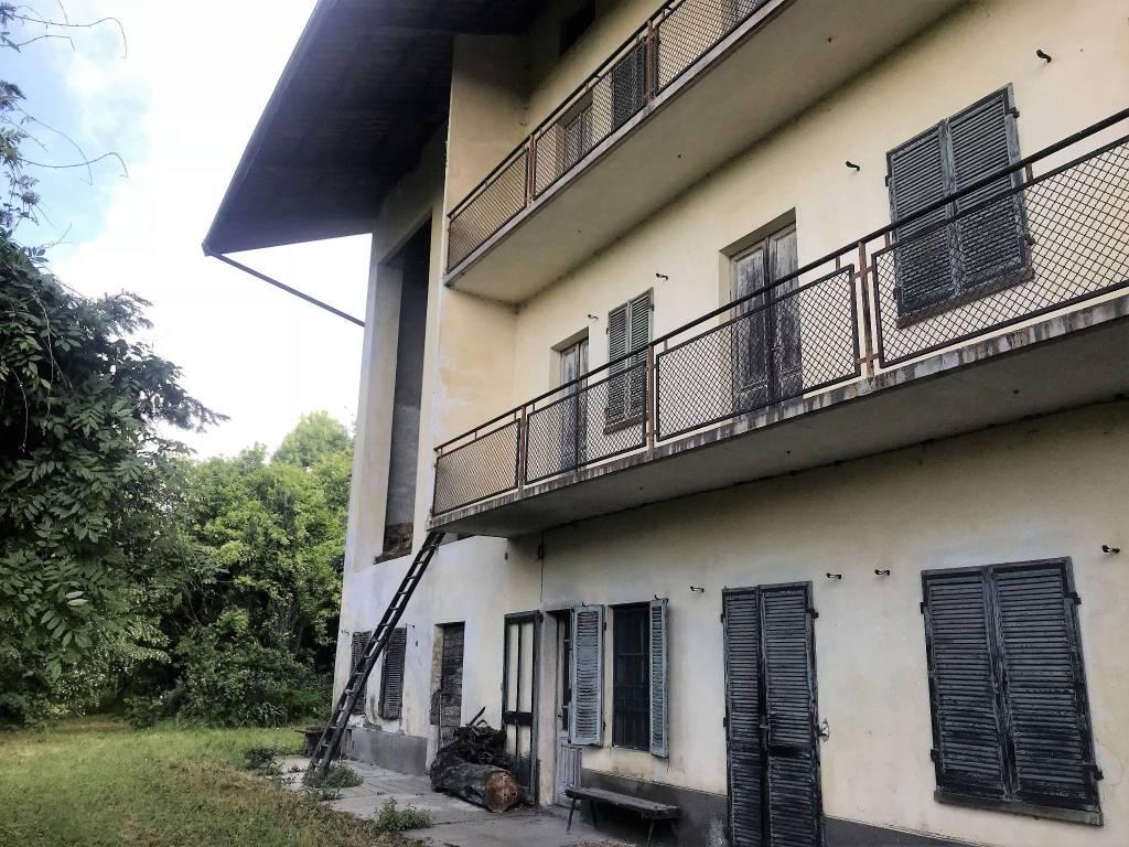 Rustico / Casale da ristrutturare in vendita Rif. 6624459
