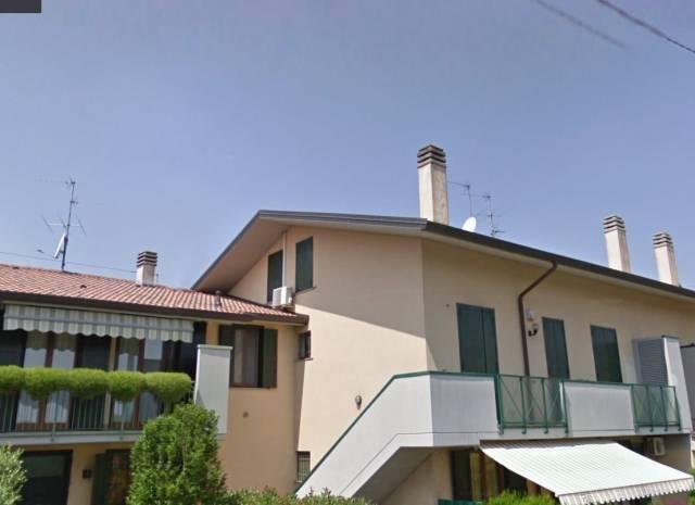 Appartamento in ottime condizioni parzialmente arredato in vendita Rif. 6628236