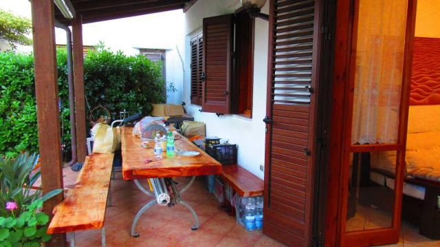 Villa a schiera bilocale in vendita a Santa Cesarea Terme (LE)