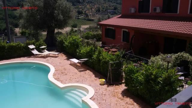 Appartamento trilocale in vendita a Laureana Cilento (SA)