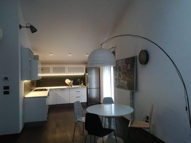 Appartamento in ottime condizioni arredato in affitto Rif. 6626424