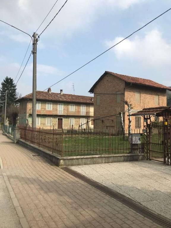 Rustico / Casale in vendita a Diano d'Alba, 20 locali, prezzo € 200.000   PortaleAgenzieImmobiliari.it