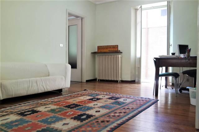 Appartamento in buone condizioni in affitto Rif. 6648186