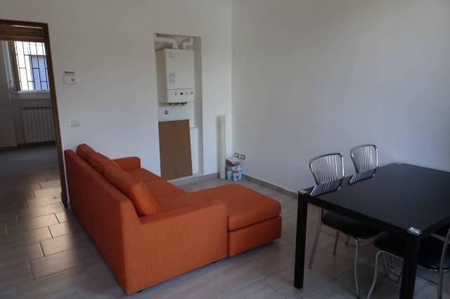 Appartamento in ottime condizioni arredato in affitto Rif. 6644740