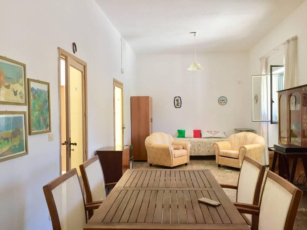 Villa in buone condizioni in vendita Rif. 9210068