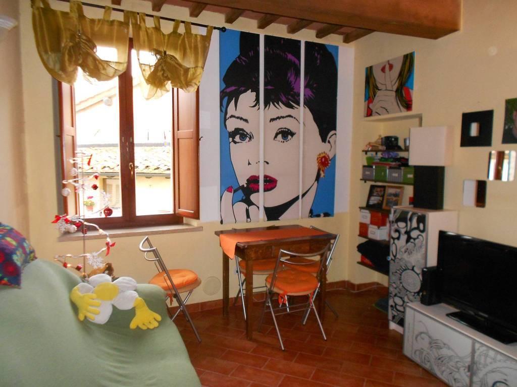 Appartamento in ottime condizioni arredato in affitto Rif. 9254817