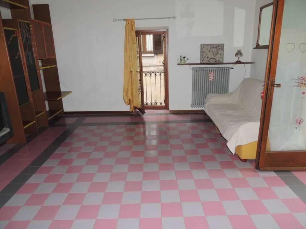 Appartamento in ottime condizioni parzialmente arredato in affitto Rif. 6644219