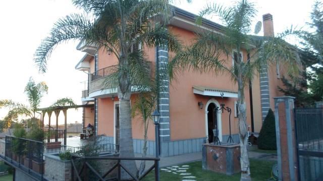 Villa 5 locali in vendita a Trecastagni (CT)