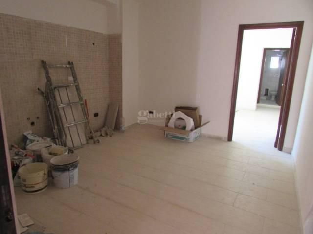 Appartamento in ottime condizioni in affitto Rif. 6650610