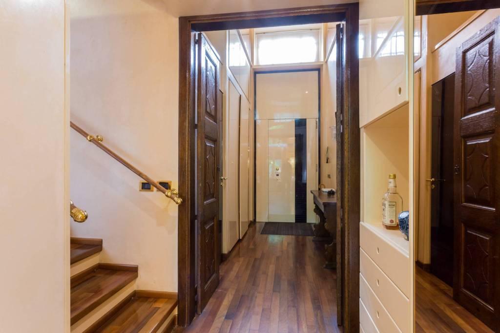 Villa in Vendita a Milano: 5 locali, 300 mq - Foto 2