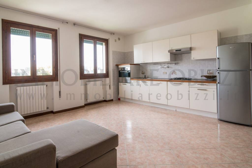 Appartamento in buone condizioni arredato in vendita Rif. 6663408