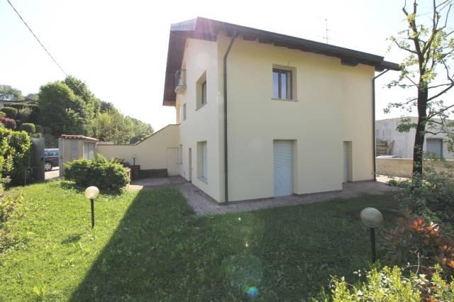 Appartamento in ottime condizioni in vendita Rif. 6661104