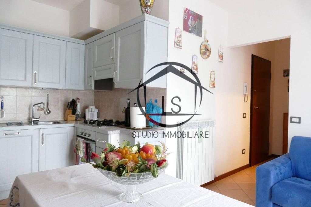 Appartamento in ottime condizioni arredato in vendita Rif. 8509189