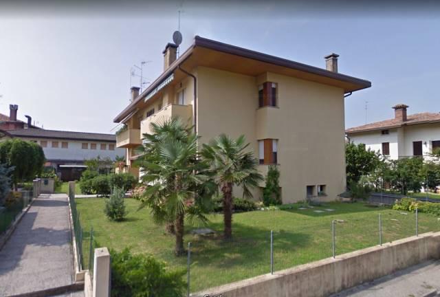 Appartamento in buone condizioni parzialmente arredato in vendita Rif. 6661545