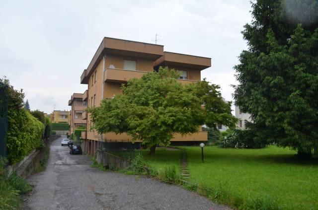 Appartamento in buone condizioni in affitto Rif. 6661240