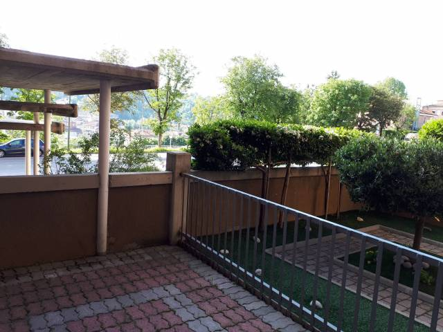 Appartamento in buone condizioni in vendita Rif. 6662427