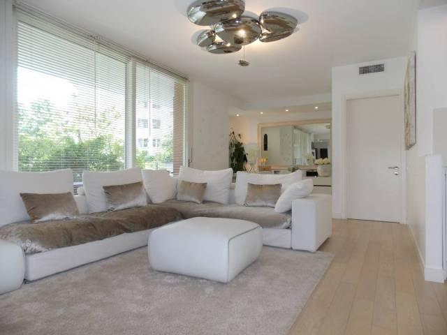 Appartamento in ottime condizioni parzialmente arredato in affitto Rif. 6661945