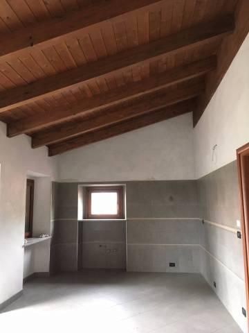 Appartamento in ottime condizioni in affitto Rif. 6660405