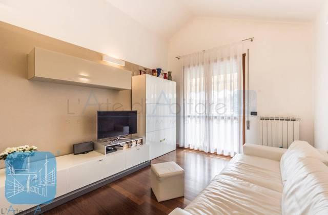 Appartamento in ottime condizioni parzialmente arredato in vendita Rif. 6664406