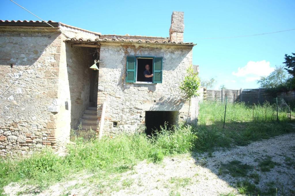 Calvi dell'Umbria (TR) Casaletto semindipendente
