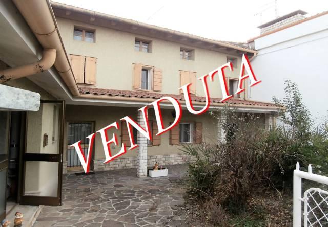 Rustico / Casale da ristrutturare in vendita Rif. 6665053