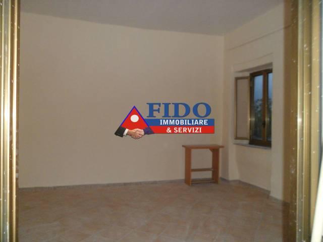 Appartamento in buone condizioni in affitto Rif. 6663385