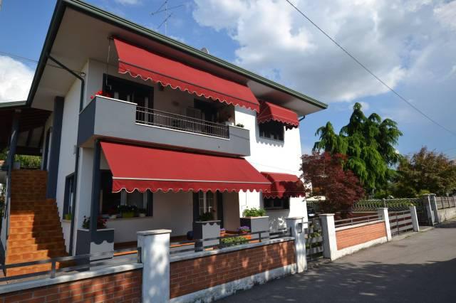 Villa in buone condizioni in vendita Rif. 6665098