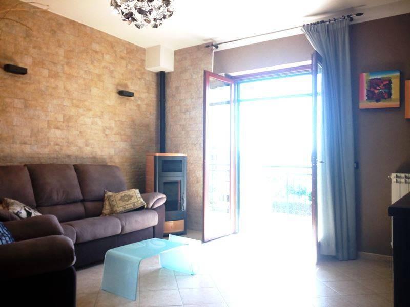 Appartamento in ottime condizioni in vendita Rif. 7421278