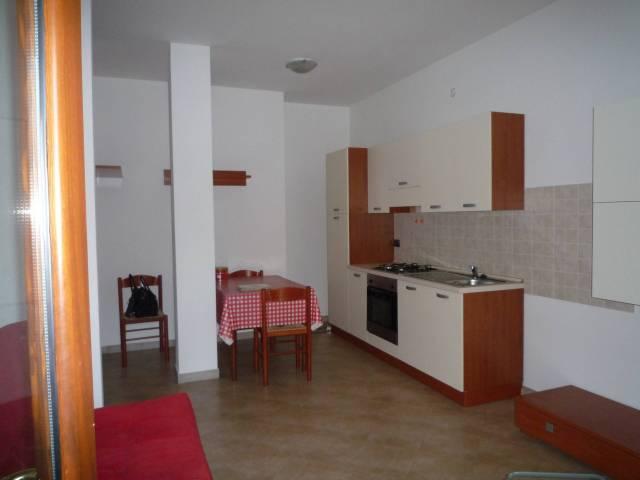 Appartamento in ottime condizioni arredato in affitto Rif. 7202808