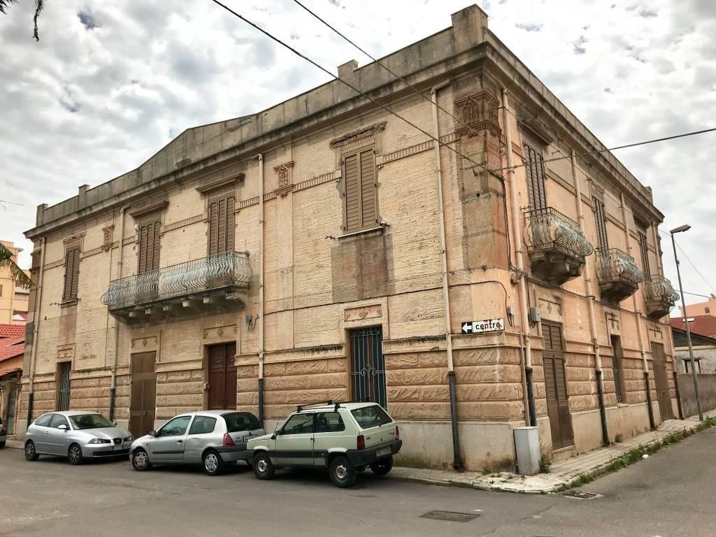 Stabile 6 locali in vendita a Reggio di Calabria (RC)