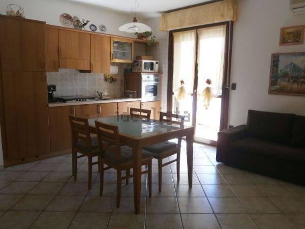 Appartamento trilocale in affitto a Prato (PO)
