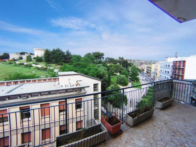 Appartamento da ristrutturare in vendita Rif. 6662394