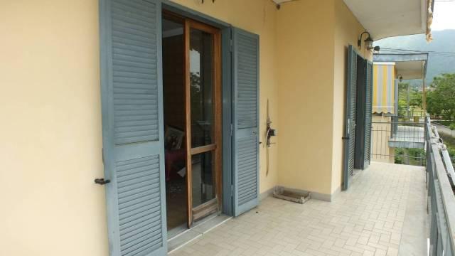 Appartamento in buone condizioni in affitto Rif. 6662450