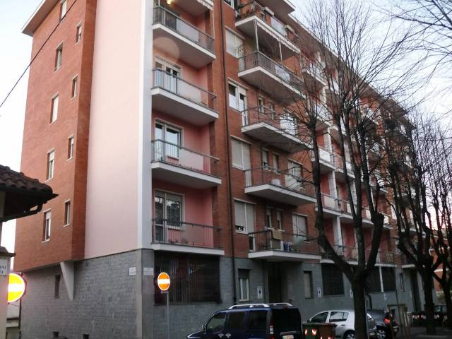 Appartamento in buone condizioni arredato in affitto Rif. 7015510